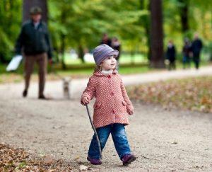 32 300x243 - ГЛОССАРИЙ: Чем заменить фразу «Be careful» и помочь ребенку осознать опасность ситуации?