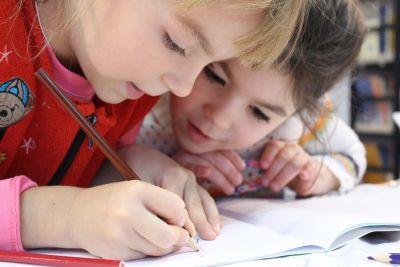 kids 1093758 1920 1 - C какого возраста лучше учить английский язык?