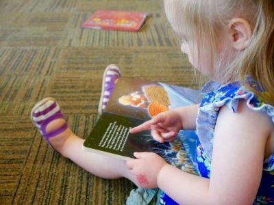 reading 1156865 1920 1 - Английский язык для детей от 0 до 3 лет: с чего начать и как заниматься