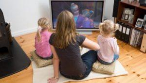1949738 bredbnds tv beskattes 350x199 1 300x171 - Как смотреть мультфильмы на английском с пользой?