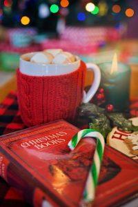 christmas 3000059 640 200x300 - Что читают и смотрят на Рождество в Америке