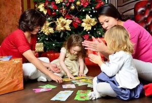 fillipinki nyani v seme 2 300x203 - Одиннадцать мифов о нянях-филиппинках — личный опыт мамы троих детей