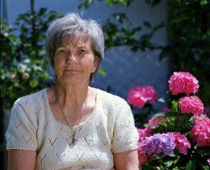 granny 1280445 1920 350x285 1 300x244 - Интервью с Лилией, мамой, которая сама владеет 12-ю языками и растит мультилингвов.